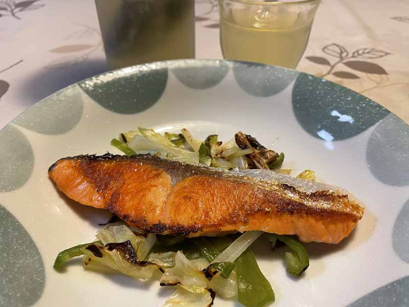 野菜たっぷり塩鮭の蒸し焼き